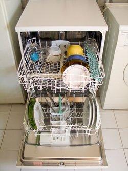 how to clean dishwashing machine